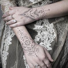 Cuff Tattoo, Herz Tattoo, Piercing Tattoo, Piercings, Boho Tattoos, Arm Tattoos, Body Art Tattoos, Sleeve Tattoos, Celtic Tattoos