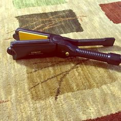 Conair hair straightener Ike new Conair hair straightener EUC Accessories