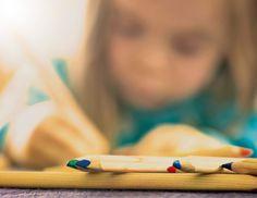 Tytöillä ADHD voi ilmetä eri tavoin kuin pojilla. Siksi sen tunnistaminen voi olla vaikeaa.