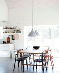 Bright and simple dining room.