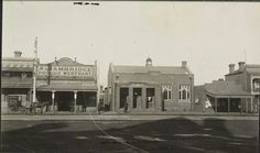 Clifton Hill Post Office, c. 1920. State Library of Victoria.