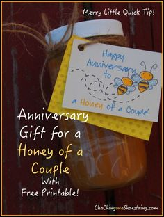 """""""Honey of a Couple"""" Anniversary Gift One-Minute Tutorial and free printable - such a cute and simple gift idea!"""