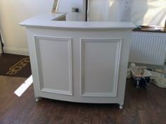 White L Shape Moulded Panel Reception Desk
