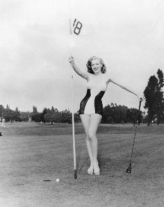 Marilyn Monroe At 18th Hole Golf Pin Up 8X10 Photo