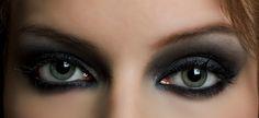 Smoky eyes makeup