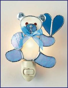 √ (image only) Teddy bear nightlight Stained Glass Suncatchers, Stained Glass Projects, Stained Glass Patterns, Stained Glass Night Lights, Stained Glass Windows, My Glass, Glass Art, Mosaic Glass, Fused Glass