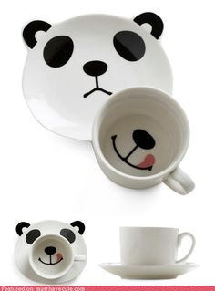 Panda Smile on Your Face Mug Set: You can't possibly have a bad morning with a cute panda smiling at you. Without his matching mug, the saucer displays a frowning panda face, but that frown turns upside down as soon as he's met with his mug. Panda Bebe, Cute Panda, Animals Watercolor, Vintage Kitchen, Retro Vintage, Grand Chat, Happy Panda, Face Mug, Ideias Diy