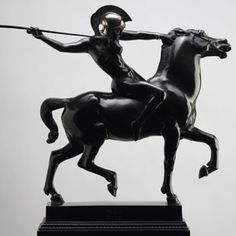 Spear-throwing Amazon, 1905. This bronze casting is the most well known Amazon piece from the artist Franz von Stuck (1863–1928).