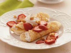 Strawberry-Banana Crepes   http://www.stockpilingmoms.com/2011/08/strawberry-banana-crepes/