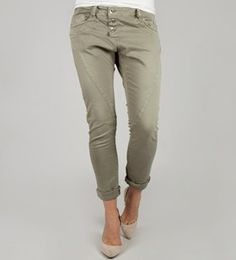 3B Classic Sabb here in Khaki color from lovely Please now in stock!