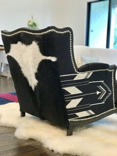 Western rustic chair Pendleton fabric Chair - Rustic Pendleton Chair black and white Western Furniture, Rustic Furniture, Cabin Furniture, Cowhide Furniture, Furniture Design, Outdoor Furniture, Furniture Stores, Cowhide Chair, Furniture Removal
