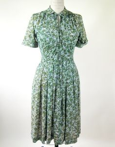60s Green Floral Day Dress Rayon Size Small by @BijouVintageBazaar, $48.99