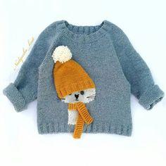 Baby Boy Knitting Patterns, Baby Sweater Knitting Pattern, Knitting For Kids, Crochet For Kids, Crochet Baby, Hand Knitting, Baby Blue Sweater, Baby Sweaters, Cardigan Bebe