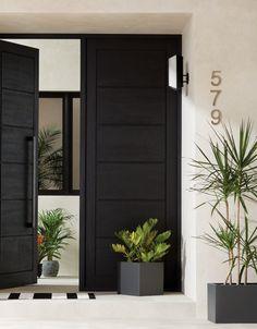 Shop the look en 2019 double front doors, wood front doors et doors. Modern Entrance Door, Modern Front Door, Front Door Entrance, Door Entryway, Front Door Design, House Entrance, Double Doors Entryway, Modern Door Design, Home Front Door