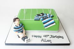Rugby pitch with jersey Bake My Cake, Sport Cakes, Pitch, Rugby, Cake Ideas, Kids Rugs, Birthday, Food Cakes, Birthdays