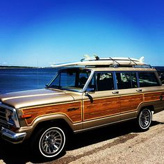 1989 Jeep Grand Wagoneer - atmore, AL owned by slj1170.  I could pretend I lived at the beach if I owned this car...