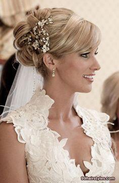 wedding hairstyle for medium hair - 99 Hairstyles Ideas. Snyggt men sitter för högt och för stramt