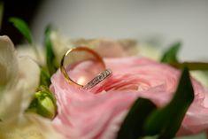 Hääkuvaus / Wedding photography.  Ring details.  Linnan Juhlakuva. Wedding Photography, Wedding Rings, Engagement Rings, Detail, Jewelry, Enagement Rings, Jewlery, Jewerly, Schmuck