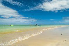 Praia do Toque, em São Miguel dos Milagres.  Conheça a Rota Ecológica de Alagoas >>> http://www.guiaviagensbrasil.com/blog/rota-ecologica-de-alagoas/