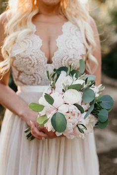 Boho Laid-Back Wedding at Sunset | ElegantWedding.ca
