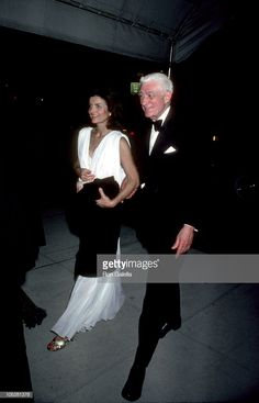 Oliver Smith & Jackie Onassis during Anniversary of the American Ballet at Lincoln Center in New York City, New York, United States. Get premium, high resolution news photos at Getty Images Jackie Kennedy Style, Jacqueline Kennedy Onassis, John Kennedy, American Ballet Theatre, Ballet Theater, Oliver Smith, John Fitzgerald, American Spirit, 40th Anniversary