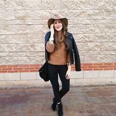 Wool . #monturquoise #outfit #style #fashion #boho #boots #hat #knitting #wool #hippie #bracelets #bohochic #look #blog #picoftheday #blogger #bohostyle #streetstyle #outfitday #inspiration #fashionlover #todayoutfit #instafashion #outfitpost #instastyle