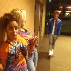 Boris Laursen vine with Tasiaakexis, lizza, and other viners