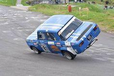 Alpine Renault, Renault Sport, Fiat 500, Vintage Racing, Vintage Cars, Sport Cars, Race Cars, Automobile, Engin