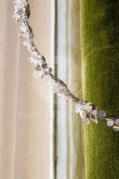 Στέφανα κλασικά πορσελάνινα Wedding Hair Accessories, Wedding Hairstyles, Diamond, Bracelets, Jewelry, Fashion, Moda, Jewlery, Bijoux