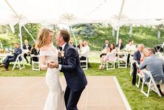 Bend Oregon Wedding | Pronghorn Resort Wedding in Bend, OR | Weddings from Palm Springs to San Francisco and beyond. Get all the inspo for your wedding photos ✨ #BendWedding #OregonWeddingPhotographer #PronghornWedding Source: Cheers Babe Photo | Los Angeles Candid Wedding Photos, Engagement Photos, Songs From Hamilton, Emo Song, Flora Bridal, Bend, Classic Beauty, Palm Springs, Cheers