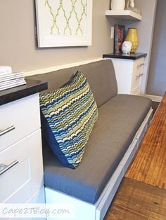 Banquette Seating with storage on both sides Upholstered Dining Bench, Banquette Dining, Dining Nook, Dining Bench With Back, Interior Exterior, Interior Design, Basement Guest Rooms, Kitchen Benches, Kitchen Nook