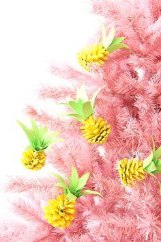 Bonita combinación de colores y muy buena idea de adornos para dar un aire veraniego a tu árbol de Navidad. Ideas de snacks de Navidad: es bueno, saludable y colorido. #Navidad #navidadenverano #decoraciondeNavidad #arboldenavidad #adornosdeverano