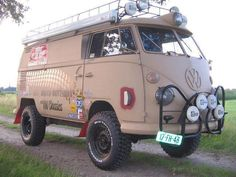 vw-bulli-3-der-4x4 Vw Camper Bus, Volkswagen Bus, Campers, Hippie Camper, Volkswagon Van, Camper Hacks, Aston Martin Db5, Kombi Trailer, Auto Gif