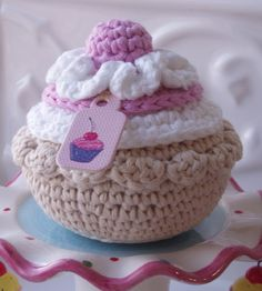Crocheted cupcake((haken-lekkers-crochet-food))