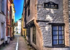 Old narrow streets of Looe, Cornwall.