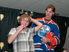 Ryan Smyth crowning the new Stollery Champion Child - September sense such compassion from Ryan Smyth in his community work Community Foundation, Edmonton Oilers, September 22, National Hockey League, Compassion, Nhl, Champion, Baseball, Country