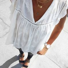 Ressortir les anciennes petites blouses Zara #outfitoftheday #lookoftheday #todayiamwearing #ootd #streetlook #streetstyle #casualstyle #igers Blouse#zara #zaradaily (old) Jean#r13 Sandales#michaelkors Collier#jullybijoux #celinezcreations #pascalemonvoisin Montre#unclejack Bracelets#myabay