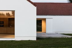ND House in Drongen | Allaert Aluminium Houses On Slopes, Minimal Home, Red Roof, House Elevation, House Roof, House Goals, Home Deco, Future House, Building A House