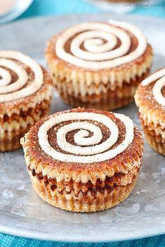 With swirls of cinnamon sugar mixed lightly into cinnamon mini cheesecakes, these Mini Cinnamon Roll Cheesecakes are a super fun recipe and so tasty! Cinnamon Roll Cheesecake, Easy Cheesecake Recipes, Dessert Recipes, Breakfast Recipes, Cheesecake Bars, Party Recipes, Mini Desserts, Just Desserts, Delicious Desserts