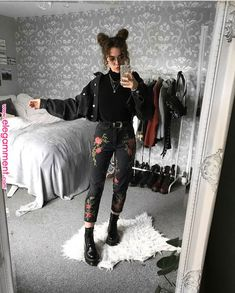 Irresistible outfits for the Darketita that you still wear in you . - - Irresistible outfits for the Darketita that you still wear inside you Mode Outfits, Casual Outfits, Girl Outfits, Fashion Outfits, Fashion Fashion, Trendy Fashion, Black Outfits, Womens Fashion, Black Denim Jacket Outfit