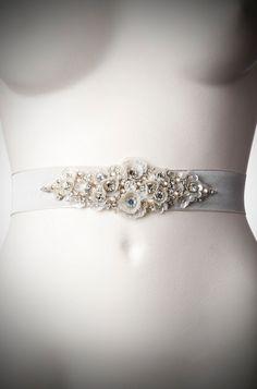 Camelia-Vintage-Style-Belt-platinum