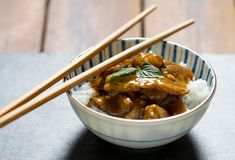 Tamarind stir fry chicken - when you are board of standard chicken dishes Chicken Stir Fry, Fried Chicken, Tamarind, Savoury Dishes, Chili, Fries, Tasty, Board, Ethnic Recipes