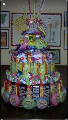 Gift Baskets handmade for him or her and packed with Premium Wine, Chocolates Fruits, Nuts, Beer and more! Gourmet Gift Baskets - Gifts for all Occasions. Candy Birthday Cakes, Candy Cakes, Diy Birthday, 16th Birthday Gifts, Birthday Ideas, Craft Gifts, Diy Gifts, Candy Arrangements, Candy Centerpieces
