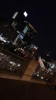 City night life 🌃 Night Life, City, Photography, Photograph, Fotografie, Cities, Photoshoot, Fotografia