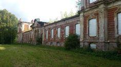 Les ruines de l'Ecurie - Znamenka - Construit entre 1856 et 1859 par l'architecte Harald von Bosse.