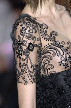 Christian Lacroix sure knows how to do beading, embroidery and sparkles...