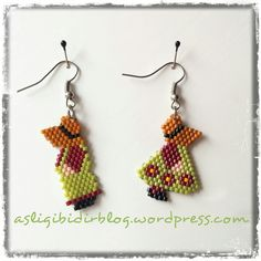 Peyote Beading, Seed Bead Earrings, Beadwork, Beading Projects, Beading Tutorials, Beading Patterns, Brick Stitch Earrings, Diy Perler Beads, Molde