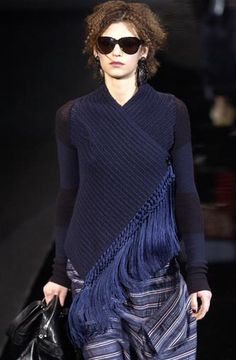 ClicEmporio Armani - Ready-to-Wear - Runway Collection - Womenk to open in a new window