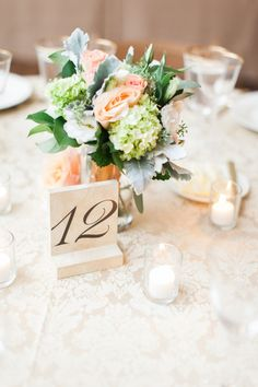 Wedding centerpieces and table number Green Centerpieces, Wedding Centerpieces, Wedding Decorations, Budget Wedding, Wedding Blog, Wedding Planning, Wedding Ideas, White Wedding Bouquets, Wedding Flowers