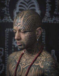 "Gesichtstätowierung – Fascinating Photo Project Meets The People Behind ""Extreme"" Body Inking – Tatto und Piercing Sin Tattoo, Dark Art Tattoo, Tattoo Blog, Power Tattoo, Facial Tattoos, Head Tattoos, Body Art Tattoos, Kopf Tattoo, Photographer Tattoo"